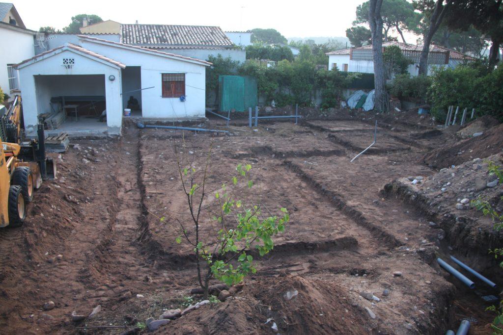 Cimientos y estructura base yesqueleto de la futura casa pasiva - Construccion de una casa ...