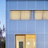 Detall façana interior nit argentona casa passiva papik cases passives catalunya casa biopassiva casa eficient