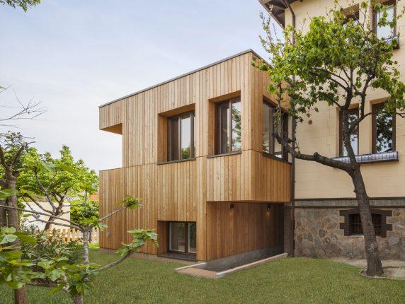 Façana fusta ampliació i rehabilitació a Valldoreix - Papik Cases Passives