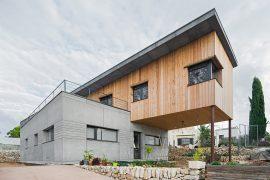 K-Aragai: Una casa passiva amb vista al mediterrani