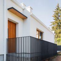entrada i barana de K-Codines casa passiva eskimohaus autosuficient a catalunya