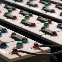 Detall bateries de K-Codines casa passiva eskimohaus autosuficient a Catalunya