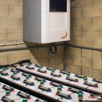 Instal·lacions de bateries i ventilació creuada amb recuperador de calor de zehnder de K-codines casa passiva eskimohaus autosuficient a Catalunya
