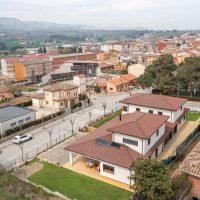 Vista d'ocell de K-Hostalets una casa certificable sota l'estàndard Passivhaus construïda per Papik Cases Passives