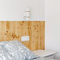 Detall del dormitori de K-Hostalets una casa certificable sota l'estàndard Passivhaus construïda per Papik Cases Passives