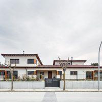 vista frontal de K-Hostalets una casa certificable sota l'estàndard Passivhaus construïda per Papik Cases Passives