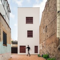vista posterior de K-Malats una casa passiva a Barcelona construida per Papik Cases Passives