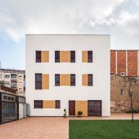 Vista frontal de K-Malats una casa passiva a Barcelona construida per Papik