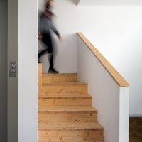 escala de K-Malats una casa passiva a Barcelona construida per Papik